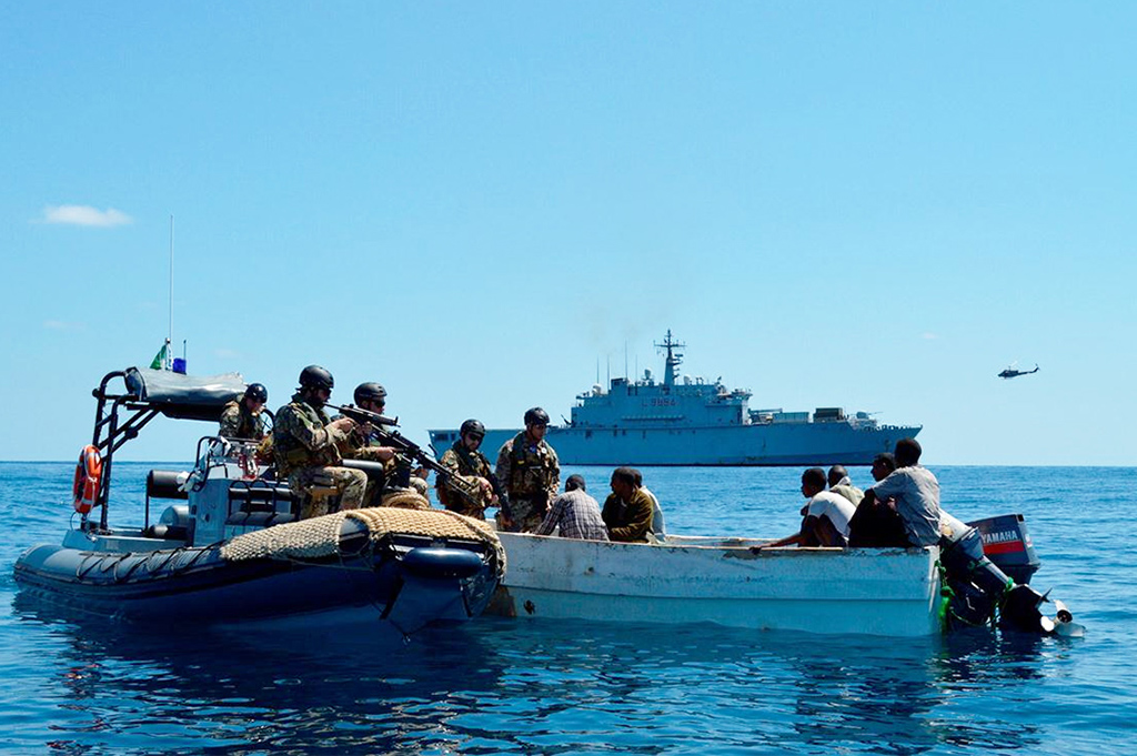 [Immagine: EU-Counter-Piracy-Operation-Atalanta-Ext...f-2016.jpg]